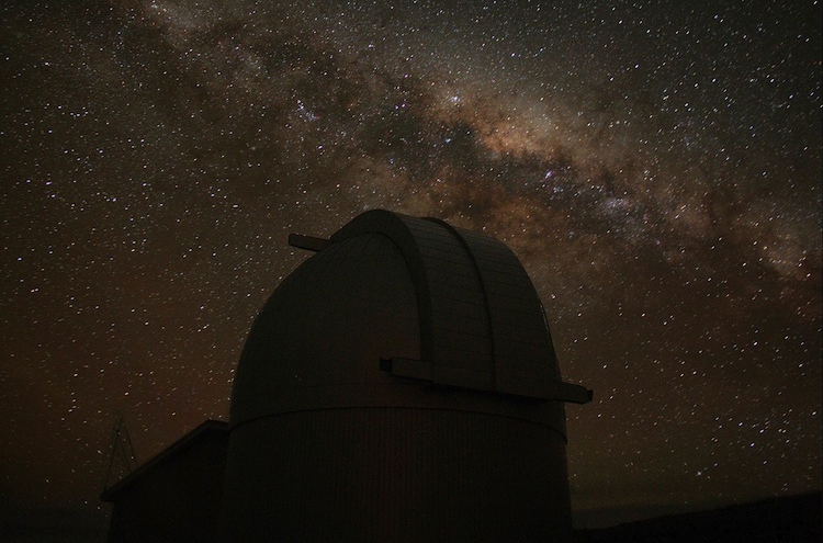 The MOA telescope at Mount John and the Milky Way.