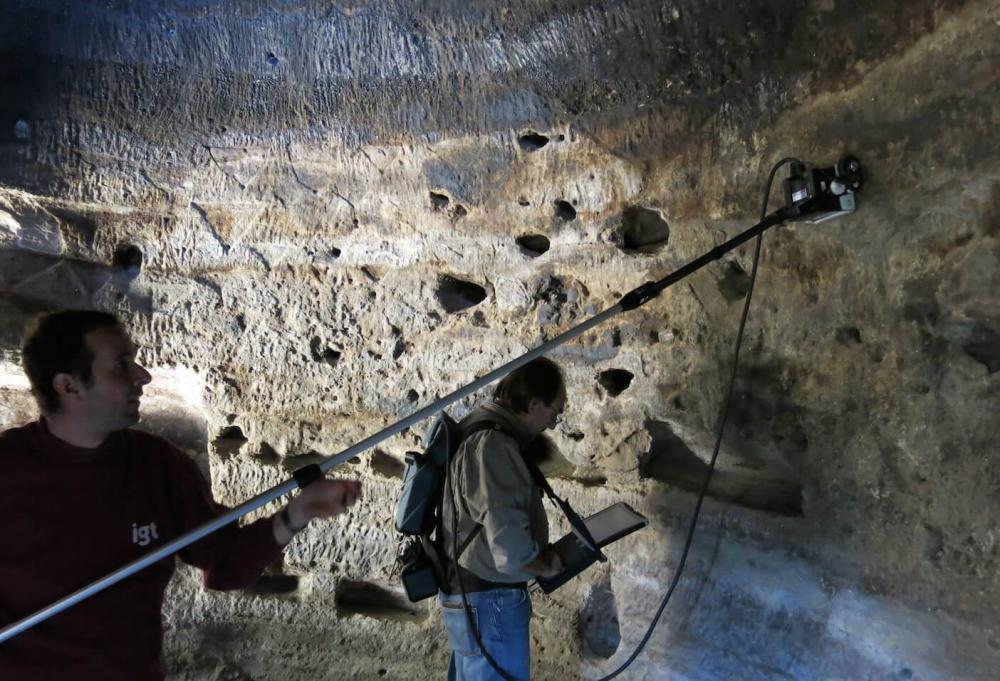 Ground-penetrating radar survey of cave 6 at Risco