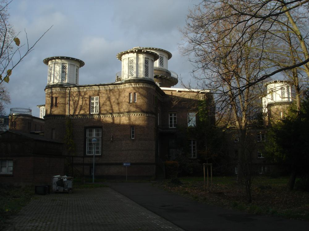 Bonn observatory, built in 1844 (Photo: Gudrun Wol