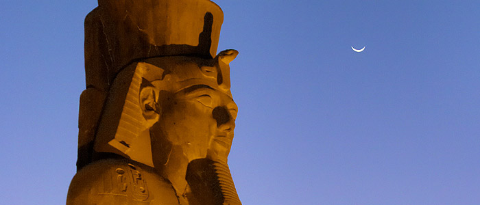 The Crescent Moon meets with Ramesses in the ancient city of Thebes at Luxor, Egypt. Dennis Mammana, TWAN (Twanight.org)