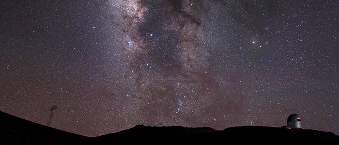 The Milky Way above Roque de los Muchachos observatory (2400 meter), Canary Islands. Nik Szymanek, TWAN (Twanight.org)